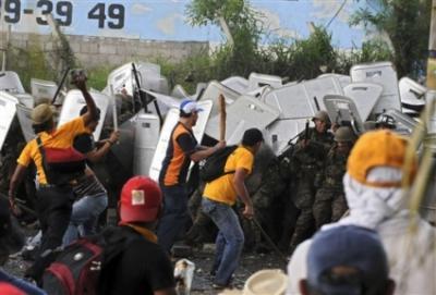 Los democráticos medios y Honduras