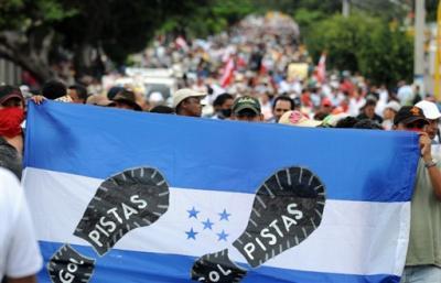 Dos muertos, 37 heridos y 360 detenidos. Honduras. Golpe