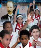 MÁS DE TRES MILLONES DE CUBANOS A LAS AULAS
