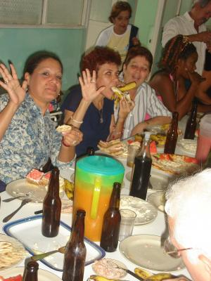 ¿CÒMO SE ORGANIZA UNA MESA SUECA CUBANA?