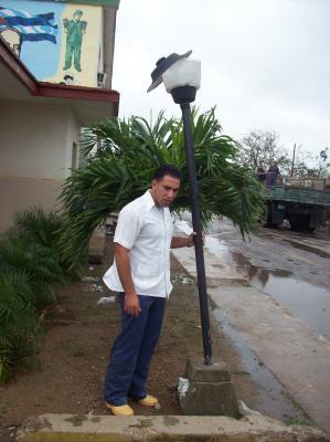Hasta bajo huracanes la vida sigue en Cuba