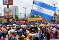 Seguidores de Zelaya toman calles de Tegucigalpa.Regreso