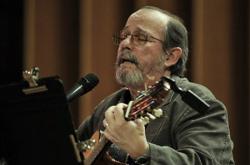 Silvio Rodríguez canta a Paraguay
