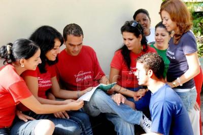 Reconocen trabajadores sociales humanismo del proyecto Con amor y esperanza